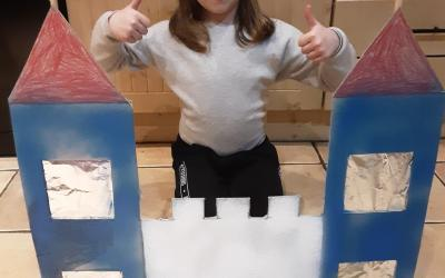 This girl from room 7 made a 2D Castle